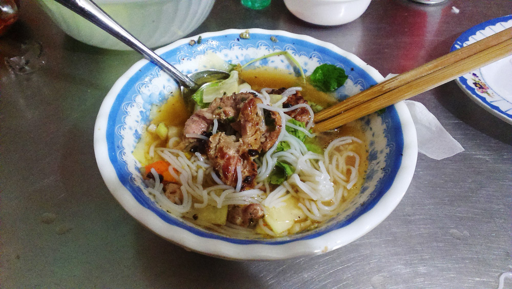 Love and bún chả in Hanoi