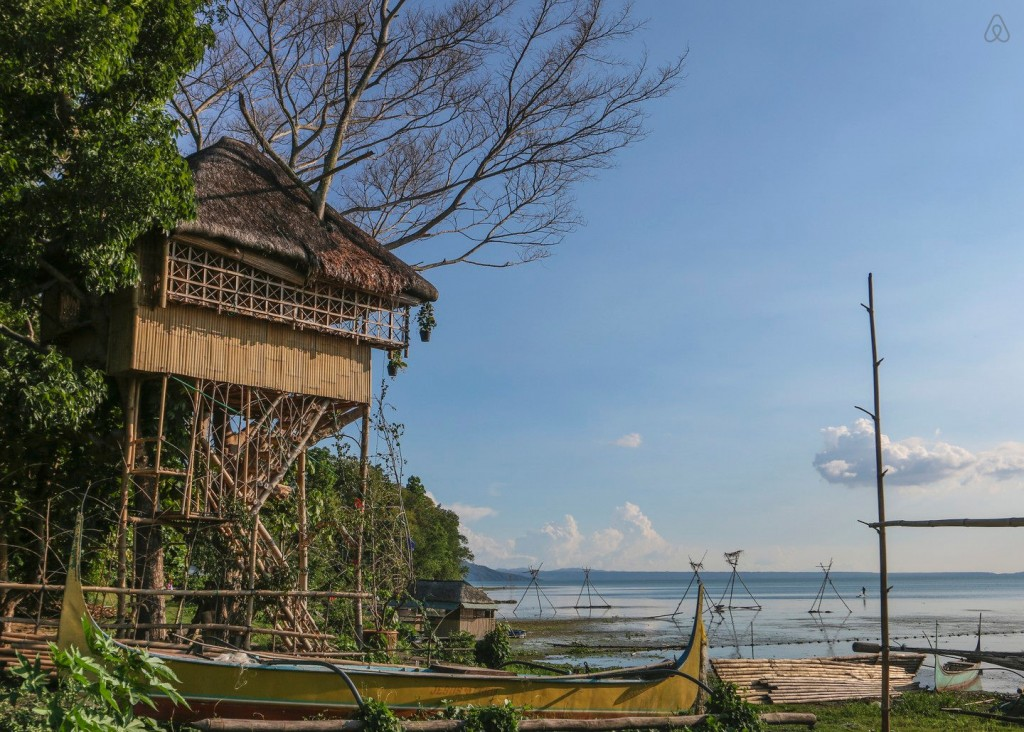 treehouse-taal-lake