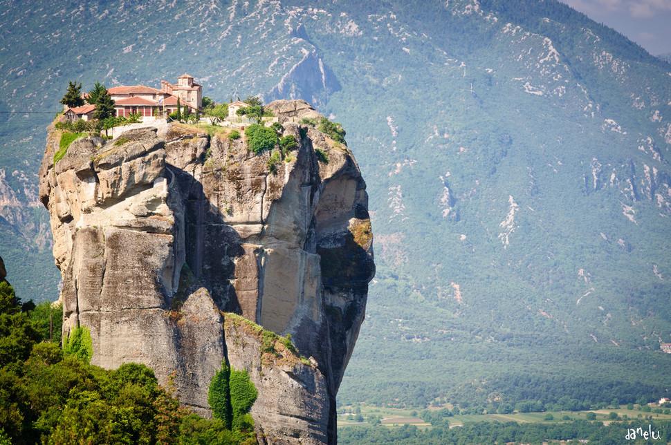meteora-best-hidden-gems-in-europe-copyright-danel-solabarrieta-european-best-destinations (1)