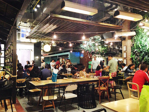 City-Guide-Makati-Hole-in-the-Wall