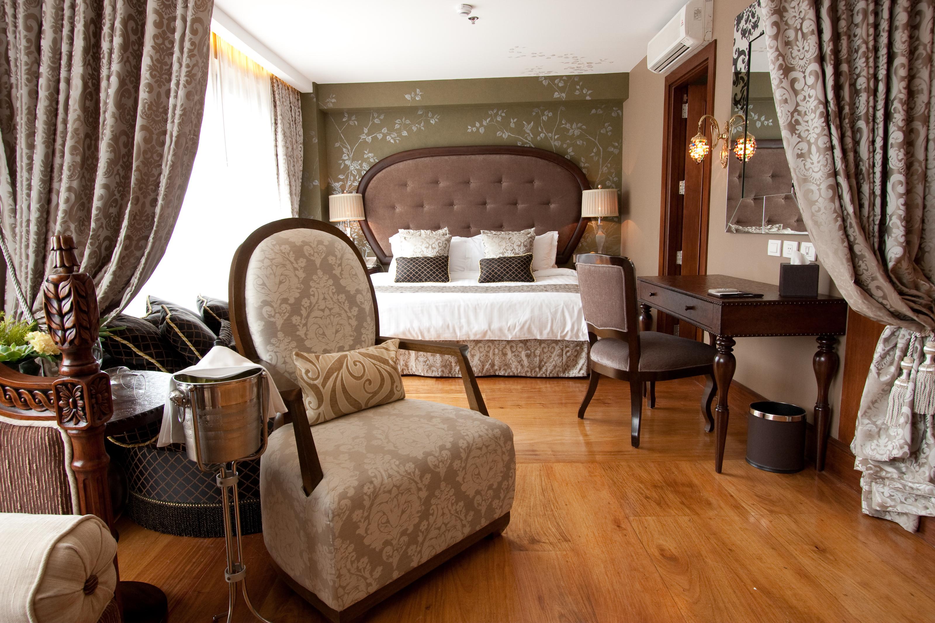 City-Guide-Makati-Hotel-Celeste