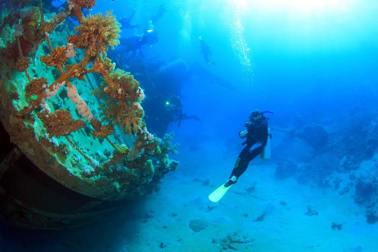 shipwreck-diving