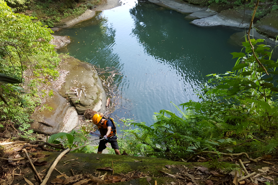 canyoning-in-samar-via-www-traveling-up-com