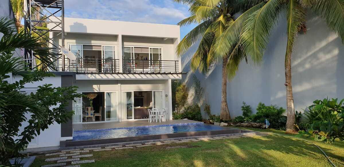 Casita Beachfront Staycation - pool