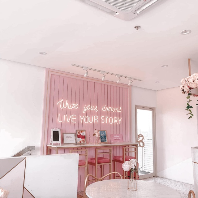 Cafe Serendipitale Pink Interiors and Write Your Dreams Live Your Story Neon Sign