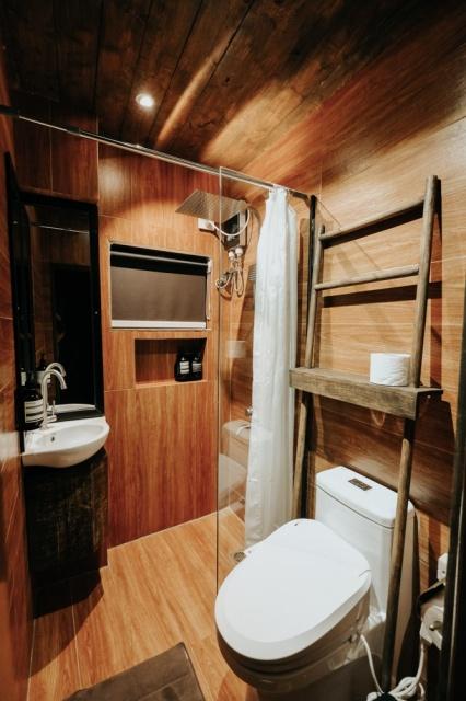Funky Quarters bathroom