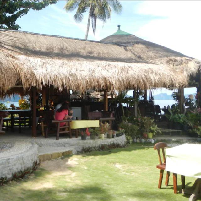 Las Cabanas Beach Resort Restaurant