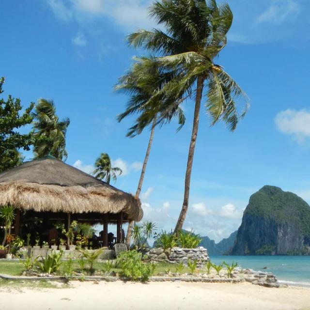 Las Cabanas Beach Resort Restaurant with views