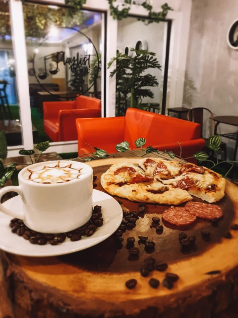 Playlist Cafe food
