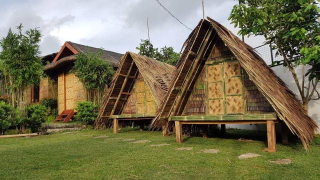 kawa nipa huts